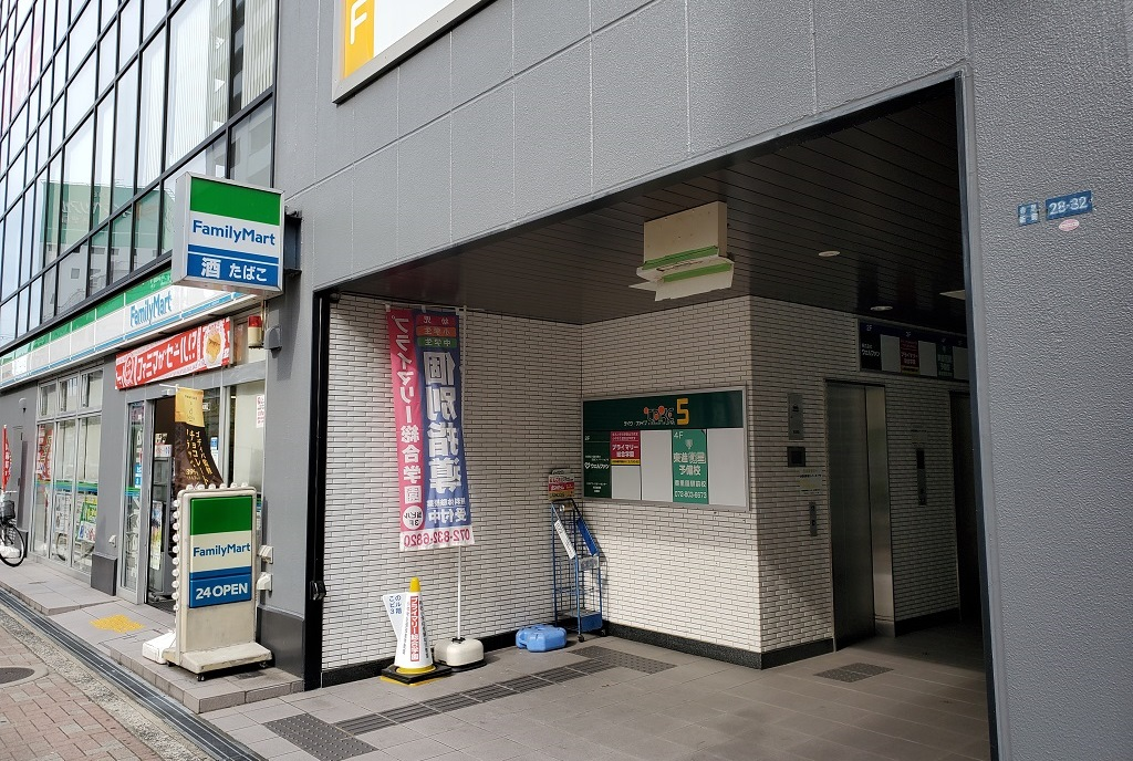 駅からの道順05